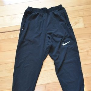 "Nike Men's 29"" Woven Running Pants Essential s"